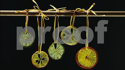 diy-lemon-wheel-crisps-bring-zest-to-holiday-drinks-cakes