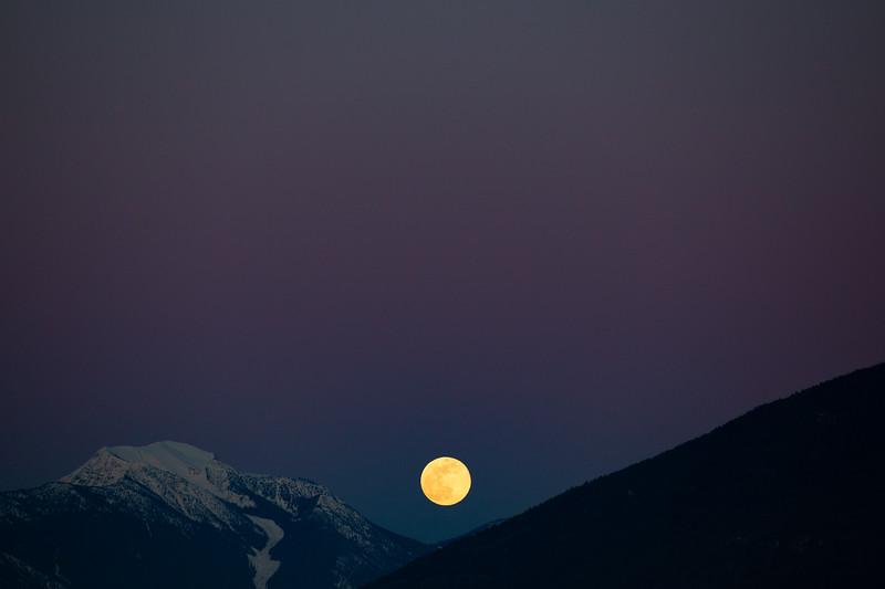 Full Moon Mountains