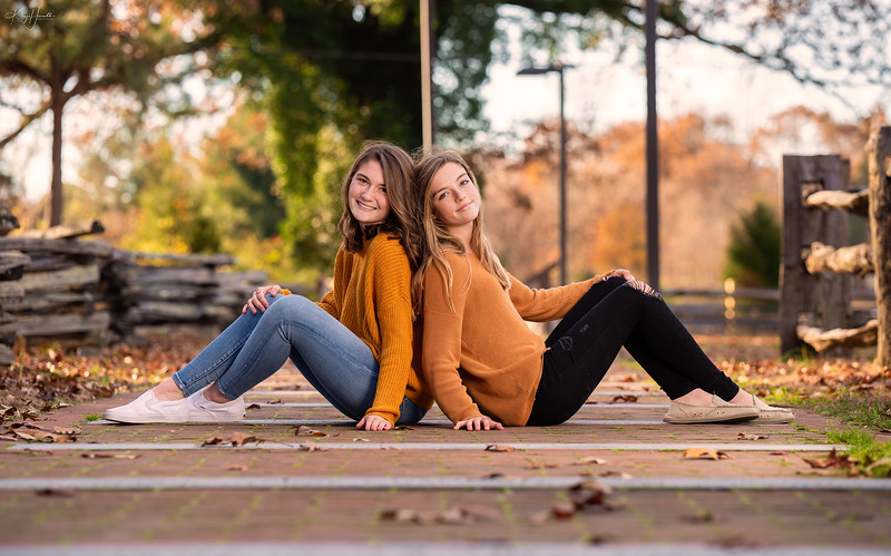 Meghan and Abby 20191128-54_web.jpg