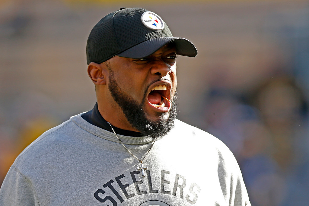 . Pittsburgh Steelers head coach Mike Tomlin yells during warm ups before an NFL football game against the Cleveland Browns in Pittsburgh, Sunday, Jan. 1, 2017. (AP Photo/Jared Wickerham)