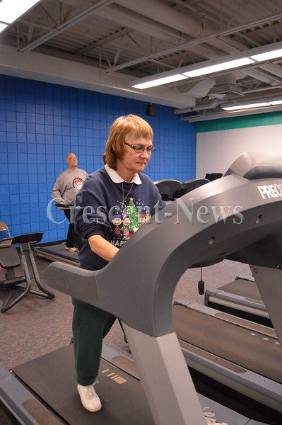 12-26-15 NEWS Walking at the Y