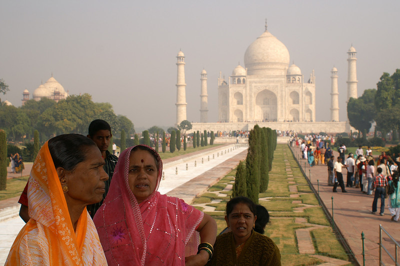 Colorful Women, Taj Mahal