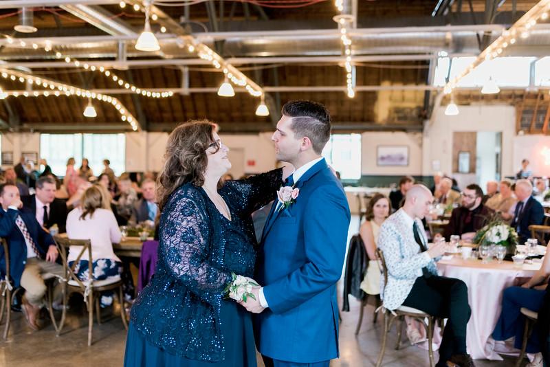 jamie-matt-wedding-at-packard-proving-grounds-intrigue-photography--600.jpg