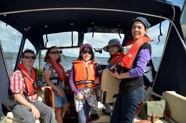 2014-08-23 Niamh, Ian and girls cruise to Mountshannon