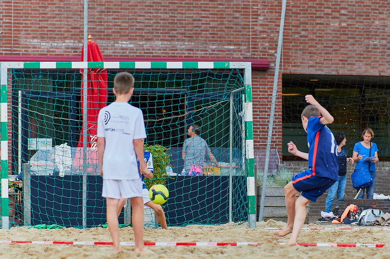 20170616 BHT 2017 Beachhockey & Beachvoetbal img 010.jpg