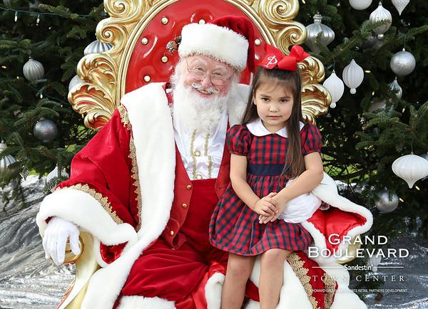 12.07.19 | Grand Blvd Santa Photos