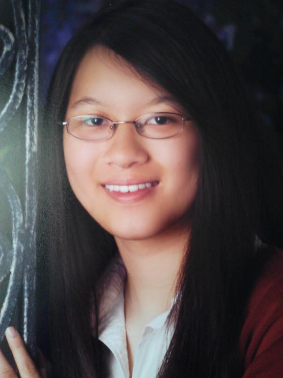 . Name: Amanda Chang Age: 17 High school: Palos Verdes Peninsula High GPA: 4.0 Activities/Groups: Science Olympiad, LTS, JNHS, SNHS, Volunteering at an Internal Medicine Clinic Plans: UC Berkeley Career Goal: Doctor Parents: Julian and Susan Chang