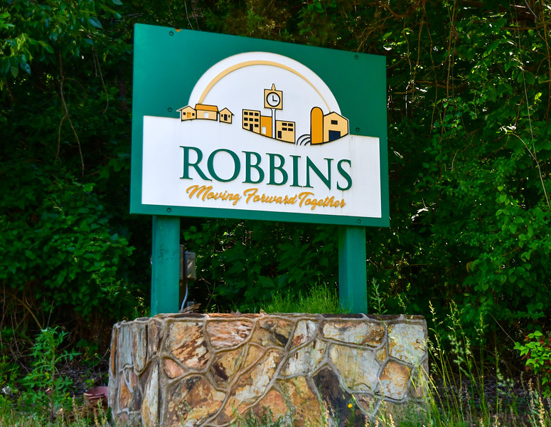 Melissa Schaub-Robbins sign-052121.jpg