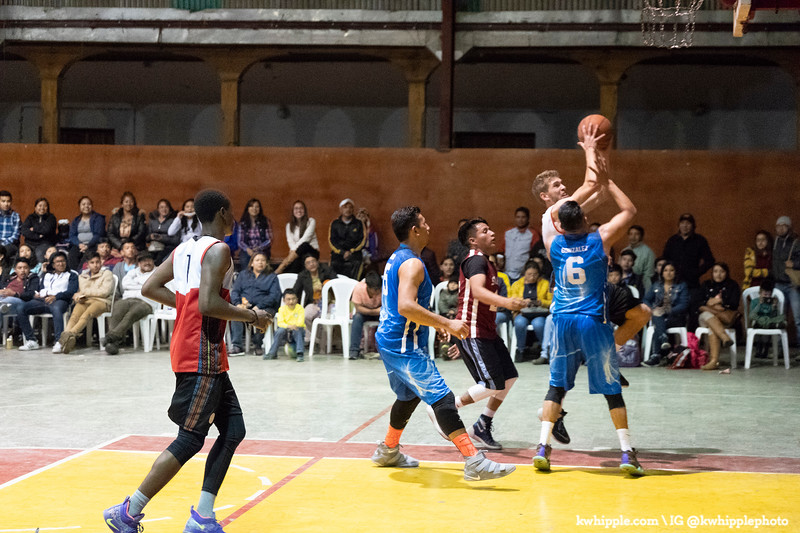 kwhipple_hoops_sagrado_20180726_0672.jpg