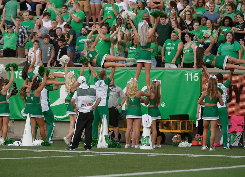 cheerleaders7570.jpg