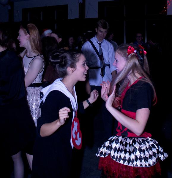 Mary and Mary dance.jpg