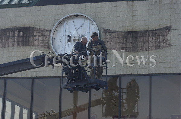 02-19-14 NEWS Chief clock