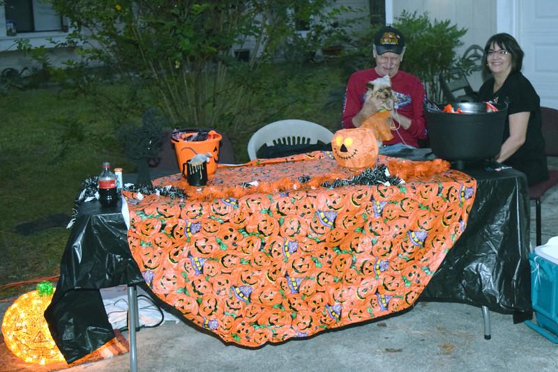 2014 Halloween Bovaween at the BooOOoo-va house (49).JPG