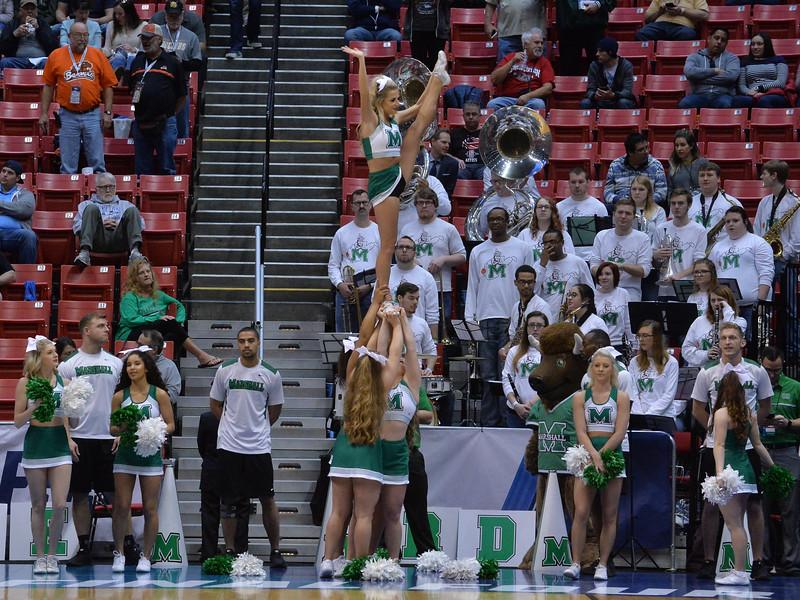 cheerleaders3803.jpg