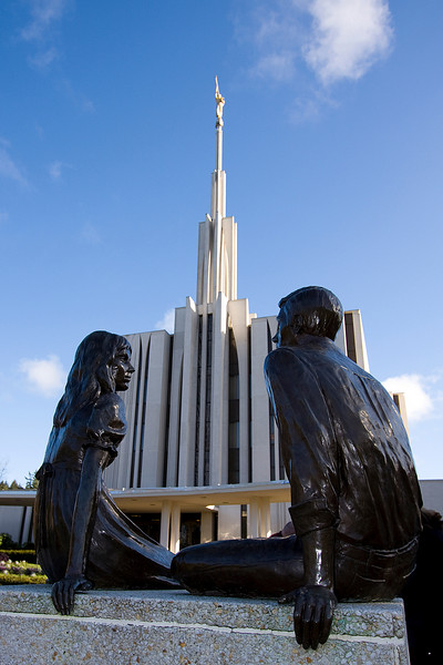 Unlike most temples, the Seattle Washington Temple has a westward-facing angel Moroni statue.  Taipei & Nauvoo are the other 2 that have Moronis facing west instead of east.  Cardston, of course, is one of 9 without an angel moroni statue.