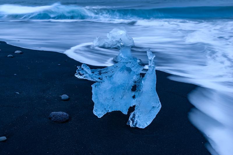 ICELAND-JOKULSARLON ICE BEACH-45.jpg