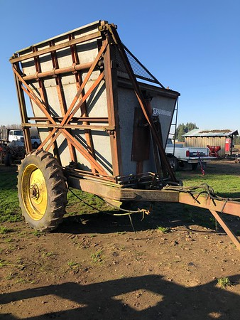 Farmhand Dump cart#53