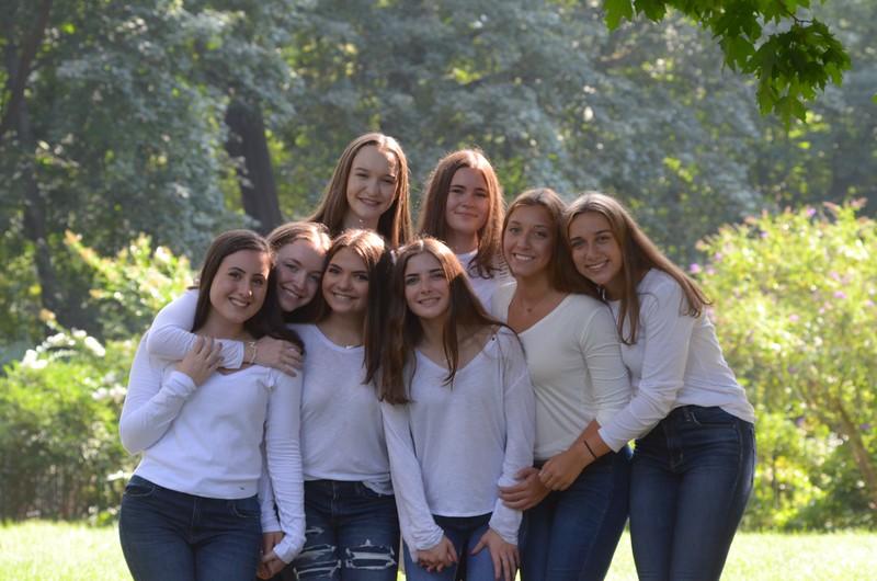 Julia Friend Group Pics - 128 of 308.jpg