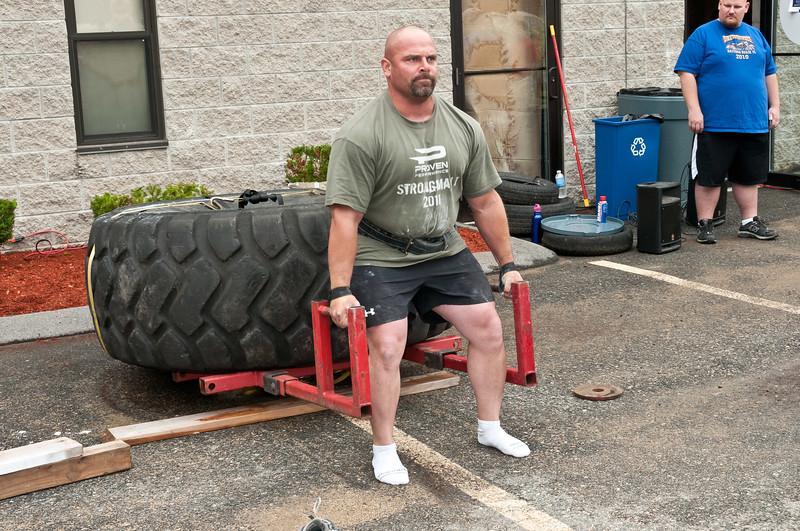 Fitness Revolution Strongman Challenge 2011_ERF3851.jpg