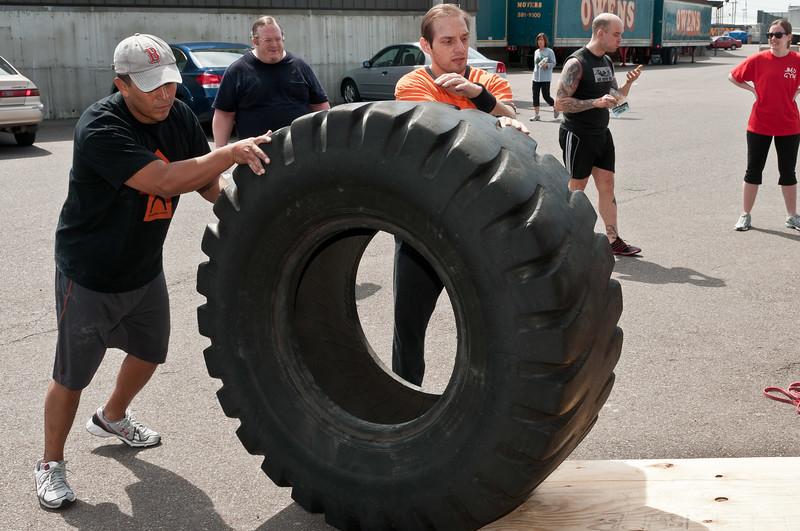 Strongman Saturday 4-14-2012_ERF4253.jpg