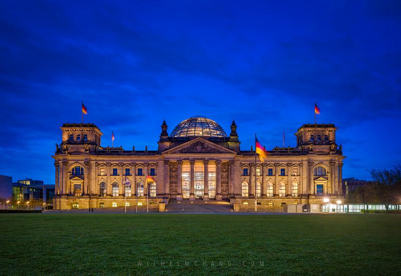 Reichstag-lawn-blue-hour.jpg