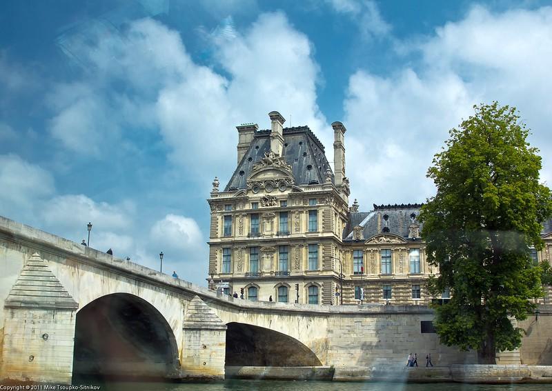 Pont du Carrousel and Louvre, Paris
