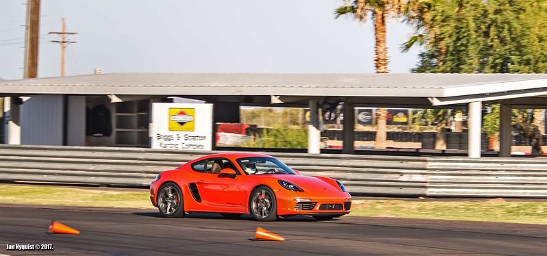 Porsche-718-Cayman-S4930.jpg