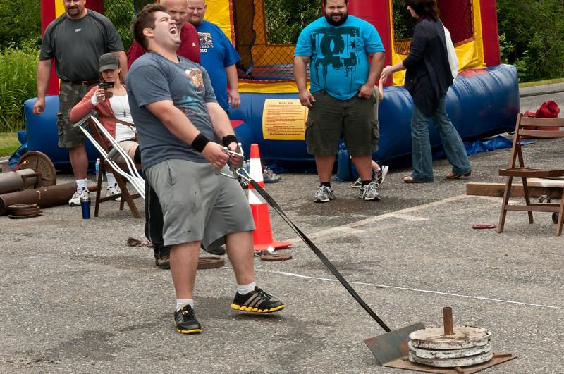 Fitness Revolution Strongman Challenge 2011_ERF4104.jpg
