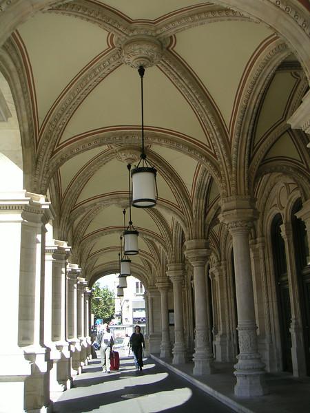 16 Arches.JPG