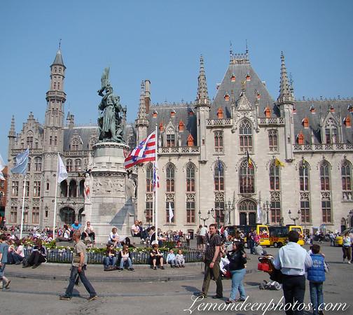 Les Places de Bruges