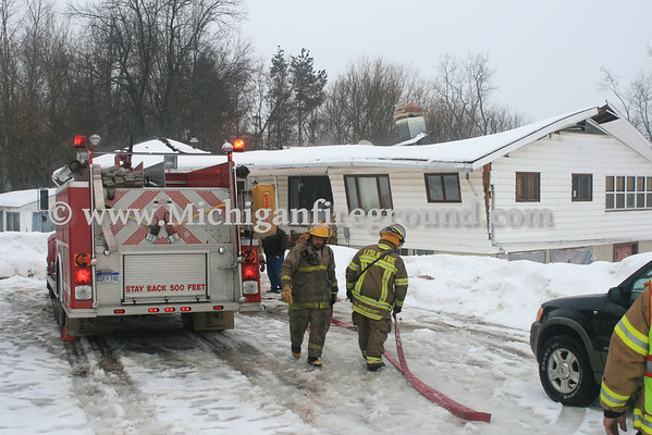 2/20/14 - Leslie structural collapse, 4400 Wright Rd