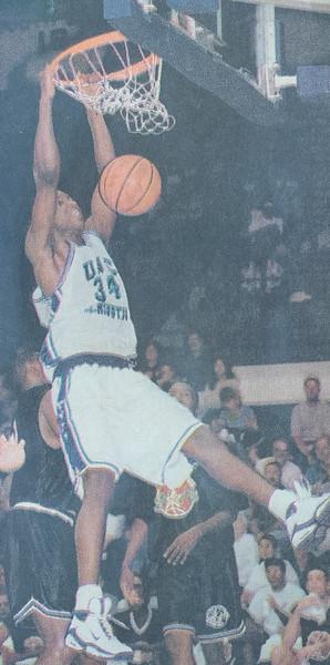 UNCW Basketball 99-00-15.jpg