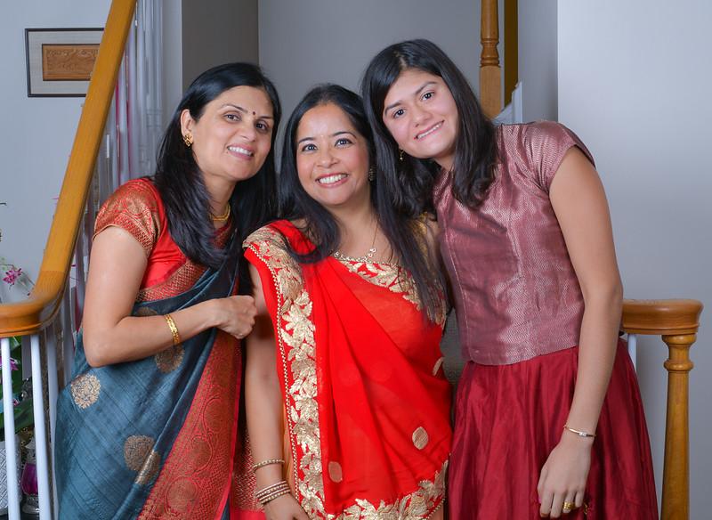 Savita Diwali E2 1500-80-5155.jpg