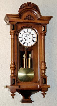 VR-393 Dwarf Altdeutsche 2 weight Vienna Regulator by Wilhelm Nadler in Wien
