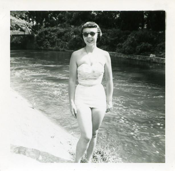 1954_0048.jpg
