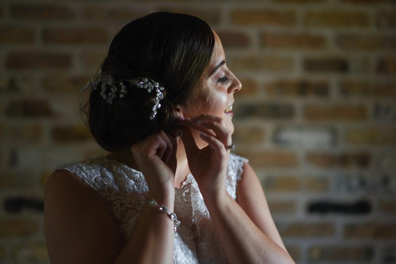 Kaitlin_and_Linden_Wedding_Pre_Ceremony-79.jpg