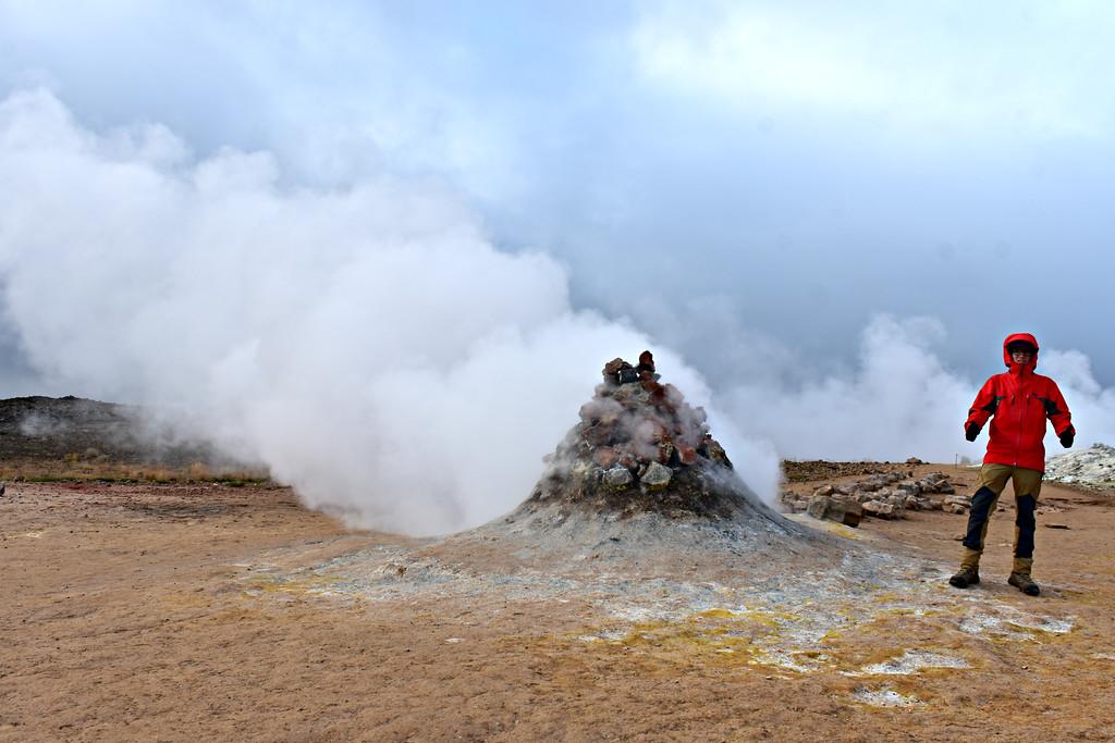 Fumeroles in Hverir Iceland
