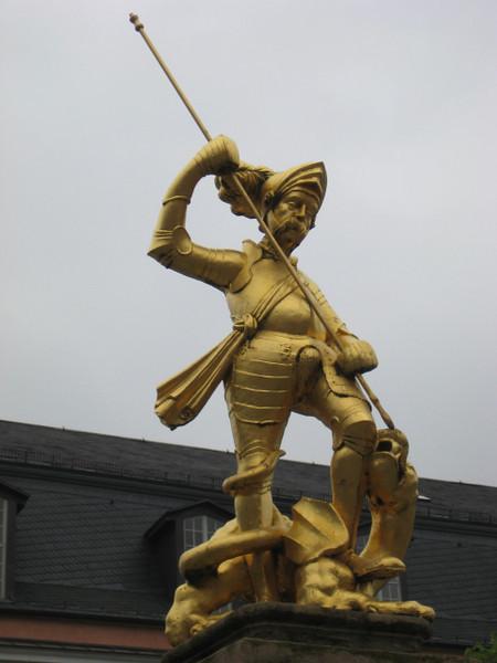 statue_3.jpg