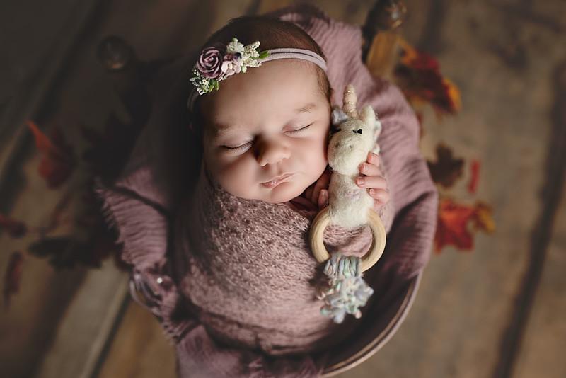 Newborn Lore-6.jpg