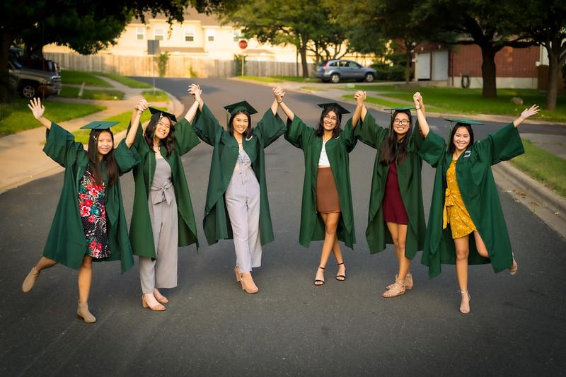20200521_sarah-friends-connally-graduation_057.jpg