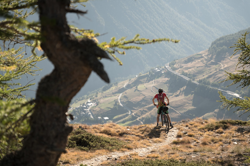 Ben Bardsley above St Rhémy on the Tour des Combins, Italy
