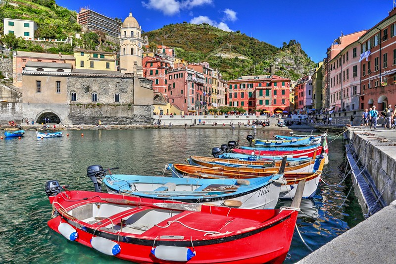 We chose to stay in, what was, in our opinion, the most charming and picturesque of all of Cinque Terre's villages - Vernazza, Italy