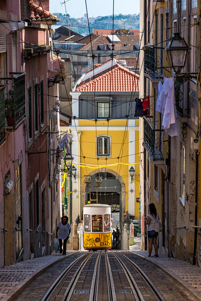 Lisbon-Funicular.jpg
