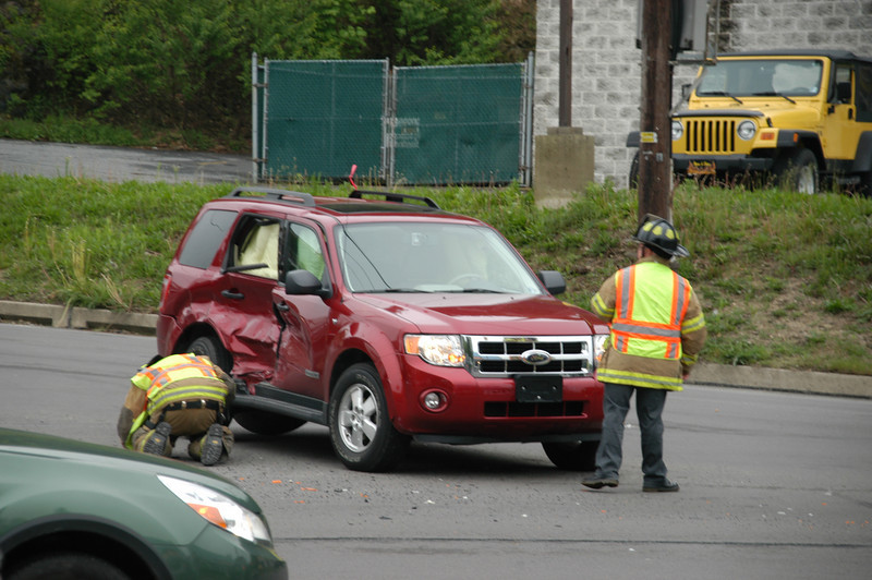 pottsville route 61 vehicle accident 5-12-2010 010.JPG