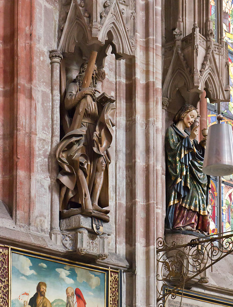 Nürnberg. St. Sebald: hl. Andreas (Veit Stoß, 1500/10), Apostel Johannes (1430/40)