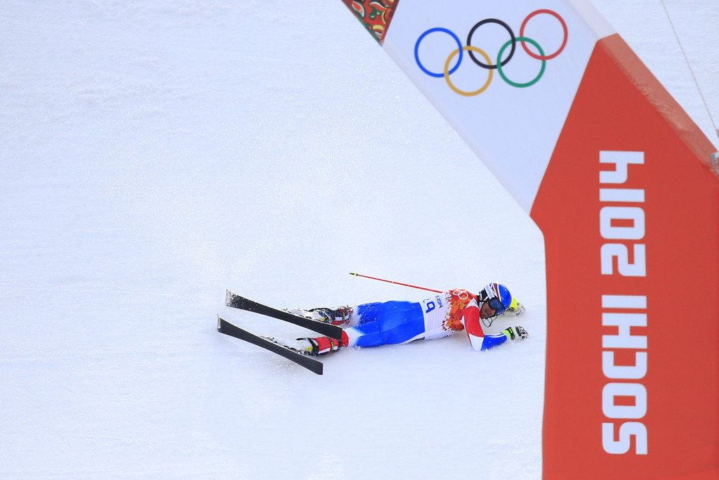 . France\'s Thomas Mermillod Blondin crashes out during the Men\'s Alpine Skiing Super Combined Slalom at the Rosa Khutor Alpine Center during the Sochi Winter Olympics on February 14, 2014.  ALEXANDER KLEIN/AFP/Getty Images