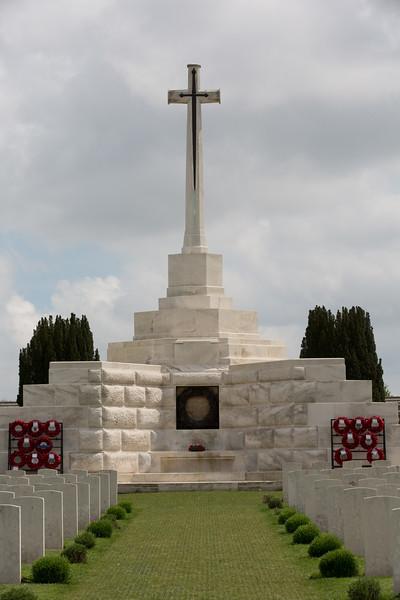 Ypres Tyne Cot Cemetery (18 of 123).jpg