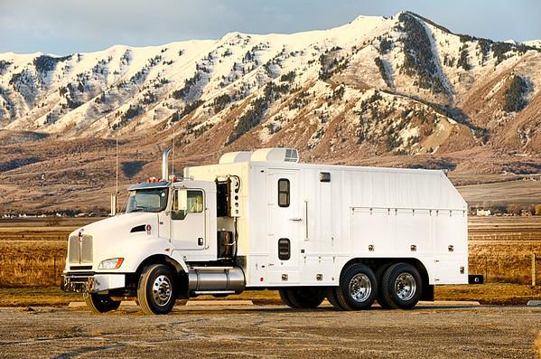 GE White Truck