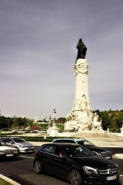 Pohled na památník markýze de Pombal směrem na park Eduarda VII.