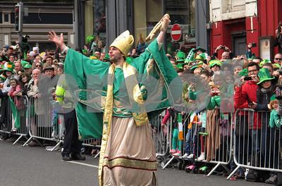 landmarks-go-green-for-st-patricks-day-as-dublin-parties